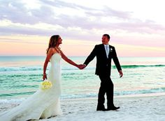 Looking for a destination wedding site on the Florida's Gulf Coast, then consider the ideal beach wedding location at WaterColor Resort in Santa Rosa Beach, FL. Beach wedding ceremonies and reception sites for that day to remember.