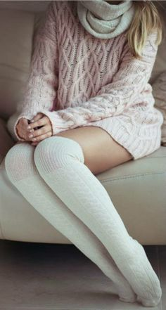Those socks - pink coral cozy knitted sweater long white socks Style outfit fashion apparel women clothing Style Outfits, Mode Outfits, Winter Wear, Autumn Winter Fashion, Casual Winter, Winter Socks, Cosy Winter, Dress Winter, Winter White