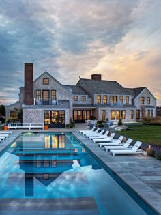 Can someone tell me where this house is cause I WANT it! Backyard luxury pools 14 Images Of The Largest Swimming Pool In The World Future House, Design Hotel, House Design, Luxury Pools, Luxury Homes Dream Houses, Dream Pools, House Goals, Pool Designs, My Dream Home