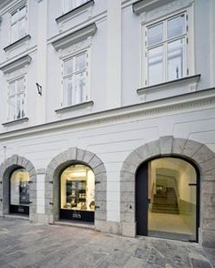 Baroque court apartments, Ljubljana, 2012 - OFIS Arhitekti