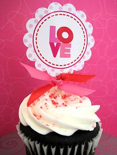 Printable cupcake toppers. Post also has link to matching treat bag toppers & candy bar wrappers.