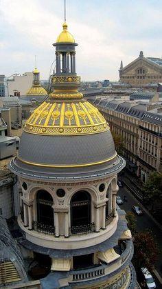 Paris est une Fête! — Les Coupoles du Printemps, Paris. Golden cupolas...