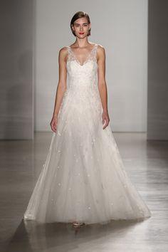 #weddingdress #fashion #runway @weddingchicks
