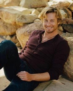 Simon Baker (our own lovable Patrick Jane) He can mentalize me anyday.who hoo hoo Patrick Jane, Simon Baker, Actrices Blondes, Gorgeous Men, Beautiful People, Mejores Series Tv, Johny Depp, Hommes Sexy, Raining Men