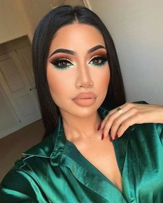 25 Pretty Makeup Looks to Try in 2019 Glam Makeup, Baddie Makeup, Flawless Makeup, Cute Makeup, Gorgeous Makeup, Pretty Makeup, Skin Makeup, Makeup Art, Movie Makeup