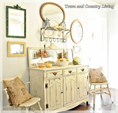 An 1875 Town and Country Living Home tour - Debbiedoo's