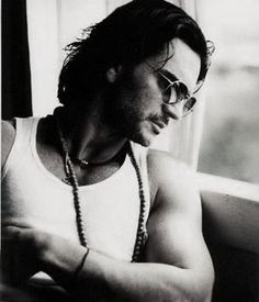 Ricardo Arjona, so sexy love love his voice Music Love, My Music, Music Den, Jenni Rivera, Latin Music, Attractive Men, Beautiful People, Gorgeous Men, Poet