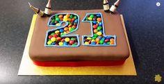 Arrêtez d'acheter des bougies d'anniversaire ! On a trouvé LE moyen pour décorer votre gâteau d'anniversaire d'une façon très originale !