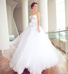 Adoro os corsets de noiva, o vestido fica lindo, desenha o corpo. Tenho 3 opções para quem interessar