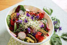 Salade de céréales aux violettes