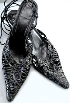 leather wrap Spanish style shoes