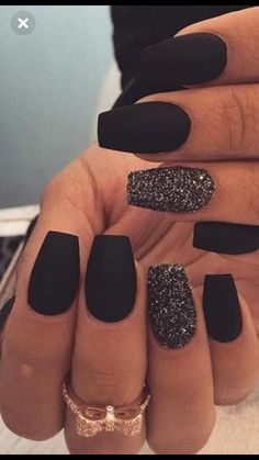 28 best Black Nail Designs For Glowing Beauty - Nail,Nails,Nail Desing. Black Nails With Glitter, Black Acrylic Nails, Best Acrylic Nails, Matte Black Nails, Nail Black, Black Nails Short, Black Coffin Nails, Glitter Art, Stylish Nails