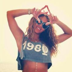Beyonce loves AXO (Photoshopped, but still fun!) - Alpha Chi Omega