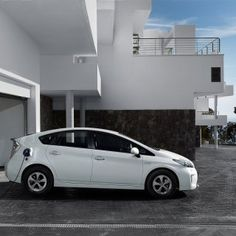 Toyota Prius hybride auto. Vergelijk deze Prius op yushift met andere hybride en elektrische auto's op actieradius / range, kosten, acceleratie en bijtelling. Wil je een proefrit of kosten berekening voor de Prius? Vraag deze op bij ons op yushift.