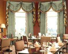 The easiest way to order custom made window treatments, draperies, curtains without high-priced interior designers or shops. See design results right on the website, no more frustrating process and guesswork..