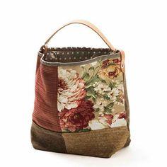 Women's Bags & Handbags for sale Patchwork Bags, Quilted Bag, Handmade Handbags, Handmade Bags, Bag Quilt, Sacs Tote Bags, Boho Bags, Denim Bag, Fabric Bags