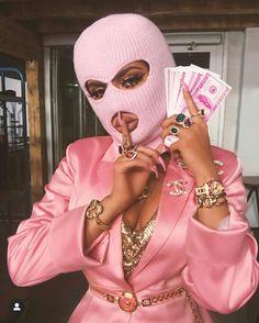 bad girl aesthetic Helly Luv uploaded by Princesse du bitume on We Heart It Badass Aesthetic, Boujee Aesthetic, Black Girl Aesthetic, Aesthetic Collage, Aesthetic Vintage, Aesthetic Photo, Aesthetic Pictures, Gangsta Girl, Fille Gangsta