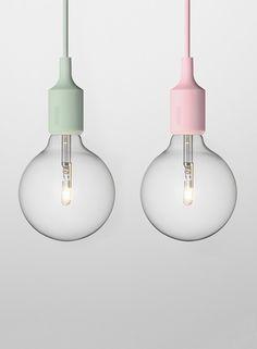 lampen in twee pastelkeuren