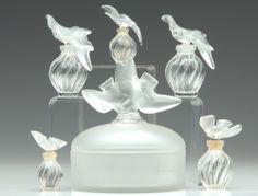 ALIQUE Six items for Nina Ricci L'Air Du Temps, comprising a powder box, and five various perfume bottles