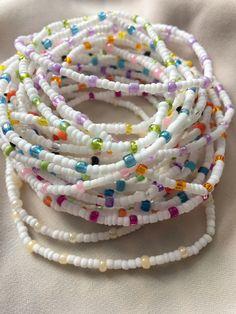 Handmade Wire Jewelry, Diy Crafts Jewelry, Cute Jewelry, Homemade Bracelets, Homemade Jewelry, Bead Jewellery, Beaded Jewelry, Beaded Bracelets, Summer Bracelets