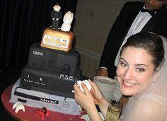 Xbox wedding hmmmmmmm I think I like! Xbox Wedding, Gamer Wedding Cake, Funny Wedding Cake Toppers, Geek Wedding, Themed Wedding Cakes, Wedding Humor, Wedding Ideas, Wedding Stuff, Dream Wedding