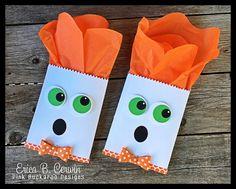 Pink Buckaroo Designs Mummy Crafts, Halloween Paper Crafts, Candy Crafts, Halloween Cards, Halloween Treat Holders, Halloween Teacher Gifts, Halloween Treat Bags, Halloween Scrapbook, Packaging