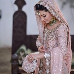 One of our favourite Pakistani designers, the evergreen never fails to leave us 😍😍😍. Also how gorgeous is that… Pakistani Wedding Outfits, Pakistani Wedding Dresses, Bridal Outfits, Wedding Attire, Indian Dresses, Indian Outfits, Walima Dress, Desi Wedding, Wedding Stuff