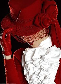 Lovely red rose hat fashion.