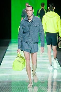 Louis Vuitton Spring Summer 2013 Lookbook, Fasion, Spring Summer, Louis Vuitton, My Favorite Things, Model, How To Wear, Men's Bags, Short Shorts