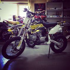 А вот YCF Big-Mini 125-A - отлично подойдёт для людей с высоким ростом и любителей серьёзной техники ) #москва #россия #питбайк #питрейс #магазин #мото #мотокросс #мотоцикл #moscow #russia #ycf #moto #motocross #pitbike #shop #pitrace