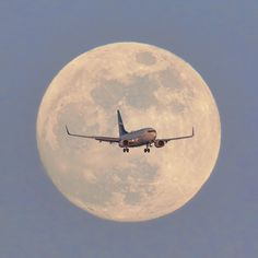 January blue moon Toronto Pearson International Airport, Silver Dart Drive, Mississauga, ON Airplane Photography, Creative Photography, Night Photography, Sky Aesthetic, Travel Aesthetic, Aesthetic Iphone Wallpaper, Aesthetic Wallpapers, Airplane Window View, Airplane Wallpaper