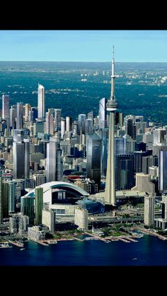 Toronto City, Downtown Toronto, Amazing Photos, Cool Photos, Torre Cn, City Wallpaper, Canada, Stunning Photography, Locomotive