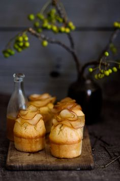 maple pear topped cakes