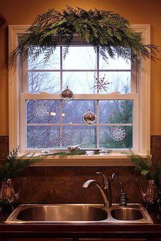 beautiful simple christmas kitchen window