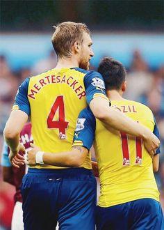 Mertesacker and Özil