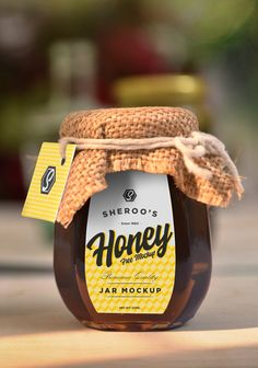 Honey Packaging, Chocolate Packaging, Food Packaging Design, Bottle Packaging, Packaging Design Inspiration, Coffee Packaging, Honey Bottles, Honey Jars, Olives