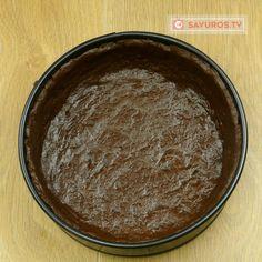 Cheesecake de ciocolată cu brânză proaspătă de vaci- va fi foarte apreciat de iubitorii prăjiturilor cu brânză! - savuros.info Chocolate Fondue, Desserts, Food, Tailgate Desserts, Deserts, Essen, Postres, Meals, Dessert