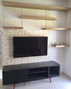 ✨ Essa parede já estava nos nossos planos há muito tempo. Living Room Designs, Living Room Decor, Tv Unit Furniture, Modern Apartment Decor, Tv Wall Decor, Home And Living, New Homes, House Design, Interior Design