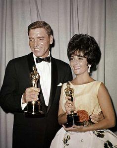 IlPost - 1961 - Burt Lancaster, Il figlio di Giuda. Nella foto, Lancaster con Liz Taylor, Miglior attrice per Venere in visone.  (AP Photo)