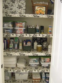 Fake-It Frugal: DIY Wire Shelf Liner.  Dress up those wire shelves.