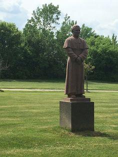 Single Garden Crypt for Sale $6800! Knollwood Memorial Park Canton, MI Pope John Paul II The Cemetery Exchange