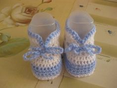 Una bancadati on line e gratis di schemi, a maglia e all'uncinetto, per preparare il corredino al neonato. Scarpine, cappellini, maglioncini, copertine e tanto altro.