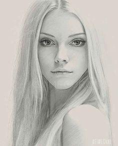 Una muy joven artista con un enorme talento, hace dibujos de retratos a personajes muy famosos, sobre todo artistas femeninas. Lo que impresiona es la cali