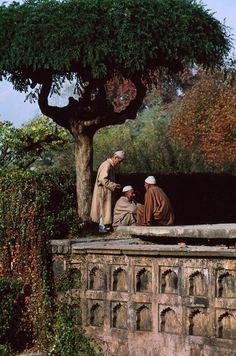 Kashmir, 1998 [Photo: Steve McCurry]