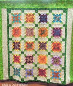 No Title by Susan Sacco, quilted by Ruby Worrell