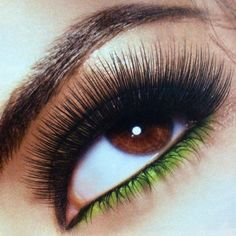 Lashes & green eye liner <3