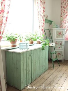 Shabby-Roses-Cottage: From trash to treasure... Pallet Love... DIY...