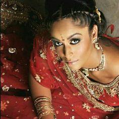 #IndianBride #IndianWeddingInspired #Photoshoot #BridalJewellery #BridalHairStyle #MakeUpOnPoint #Johannesburg #SouthAfrica