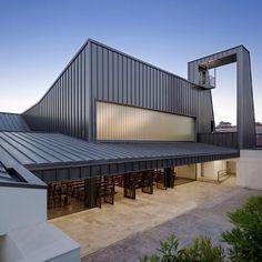 Modern Industrial Facade Wraps AGi Architects' La Ascensión de...