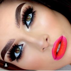 This is absolutely gorgeous! I wish I can do my eye makeup this flawless, and the lip color is perfect! Flawless Makeup, Glam Makeup, Makeup Tips, Makeup Ideas, I Love Makeup, Gorgeous Makeup, Makeup Looks, Makeup Style, Neon Lipstick